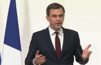Глава МОЗ Франції розповів, чим небезпечний мутований вірус COVID-19