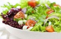 Шведский полицейский взял взятку салатом