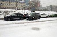 Через снігопад у Києві сталося майже 500 ДТП