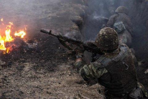 У поселка Золотое-3 погиб украинский военный, один боец ранен
