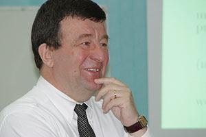 Экономист советует украинцам учить три языка