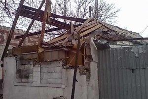 У передмісті Первомайська через обстріл бойовиків загинула жінка