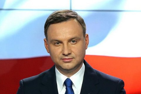 У Польщі затримали чоловіка зі шприцом і ножем, який, імовірно, готував замах на президента