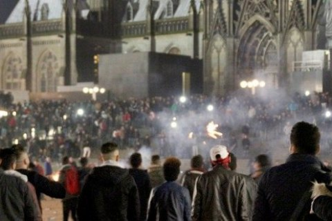 Напади в Кельні відбувалися за попередньою змовою, - поліція Німеччини