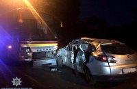 В результате столкновения легковушки с автобусом в Ровно погиб оператор местного СМИ