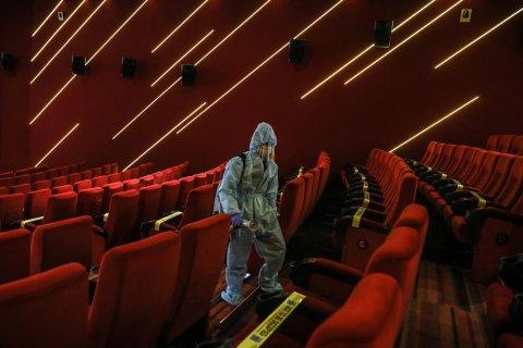 """Кинотеатрам в """"красной зоне"""" разрешили работать"""