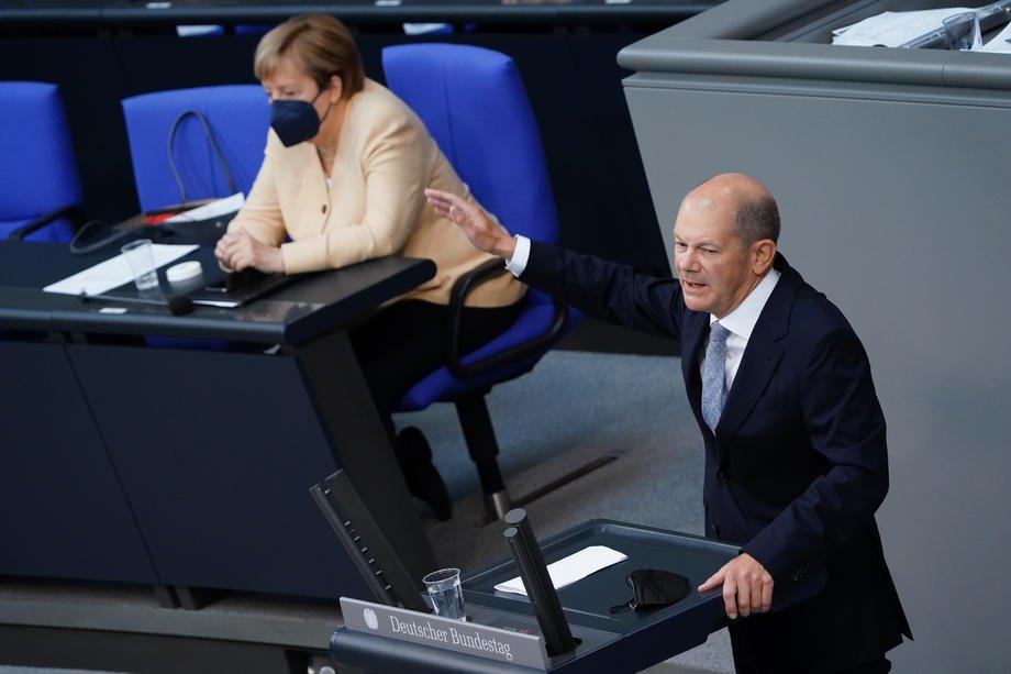 Олаф Шольц виступає з промовою під час засідання Бундестагу, Берлін, 7 вересня 2021 р.