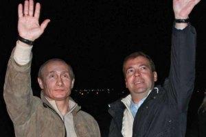 Путин и Медведев теряют сторонников