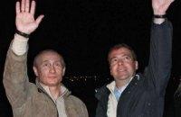 Путин с Медведевым будут смотреть футбол в Польше