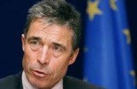Расмуссен закликав союзників по НАТО надати Україні летальну зброю