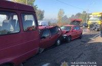 На окружній Броварській дорозі під Києвом зіткнулися 10 авто, є загиблий