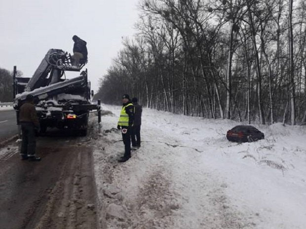 ДТП и6 пострадавших: в милиции Киевской области поведали опоследствиях снегопада