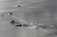 В Днепре трое мужчин и подросток провалились под лед