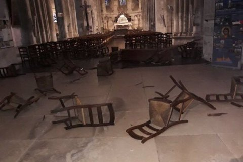 Во Франции террорист напал на посетителей базилики Нотр-Дам, есть погибшие