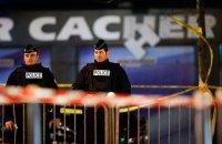 Французская полиция за ночь провела 128 рейдов по делу о терактах