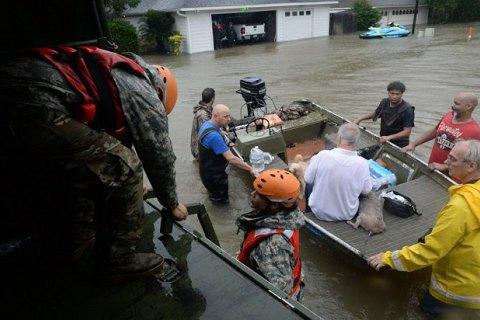 """Трамп пожертвує $1 млн постраждалим від урагану """"Харві"""""""