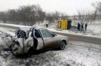 На дороге Славянск - Краматорск из-за ДТП перевернулся автобус