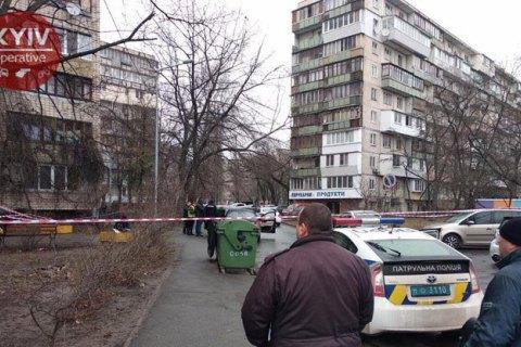 У Києві чоловік у формі поліції застрелив водія Mercedes (оновлено)