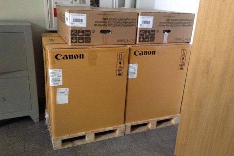 США передали НАБУ технічне обладнання та офісні меблі