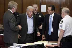 Прокуроры отказались снять обвинения со Стросс-Кана