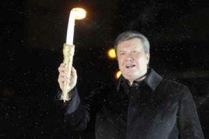 В день Святого Николая Янукович зажжет елку