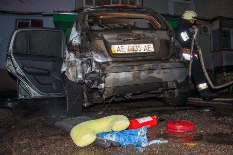 Посольство ЕС осудило поджог машины днепровского антикоррупционера