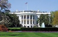 Белый дом начал внутреннюю проверку использования личной почты советниками Трампа
