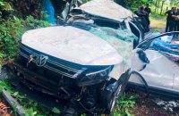 В Яремчі автомобіль зірвався з обриву, загинули чотири людини (оновлено)