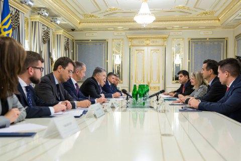 """Порошенко и директор General Electric обсудили модернизацию локомотивов для """"Укрзализныци"""""""