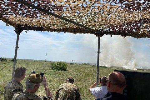 Під час військових навчань на Миколаївщині снаряд відхилився від курсу і вибухнув біля села