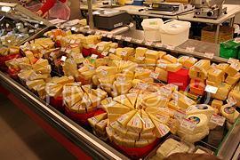 Вслед за мясом подорожает сыр: до 100 грн/кг