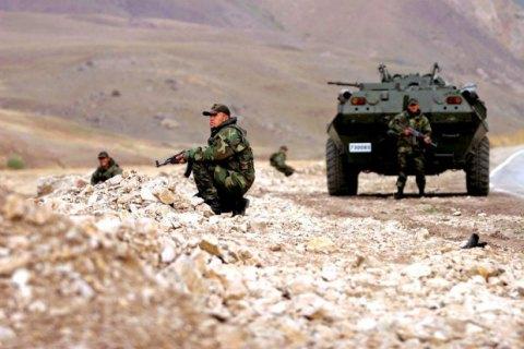 В стычке между турецкими военными и курдскими боевиками погибли более 30 человек