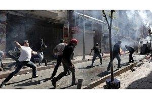 В Турции антиправительственную демонстрацию разогнали слезоточивым газом