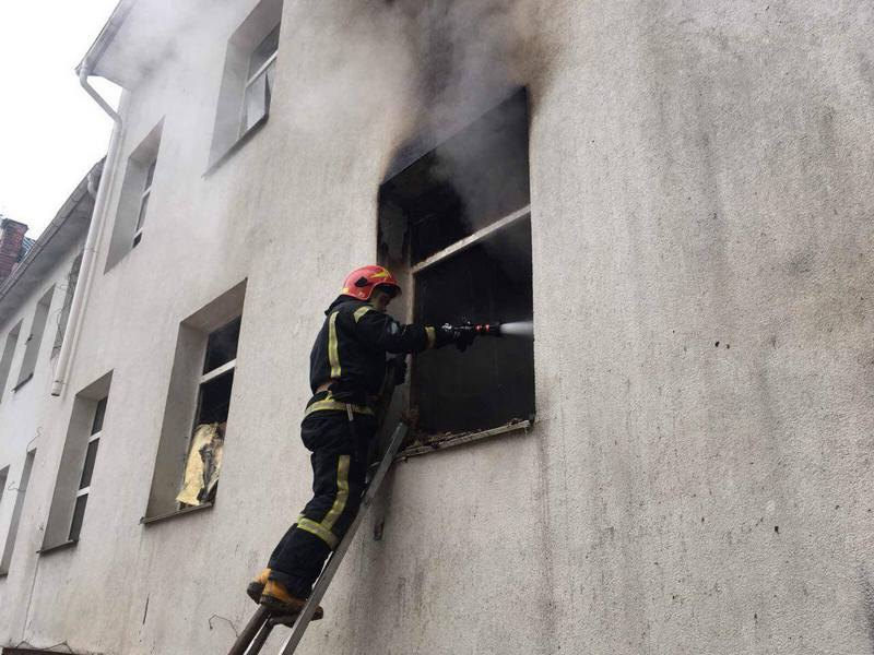 В Киеве произошел пожар на территории института отоларингологии
