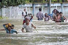 Наводнения оставили без крова миллион индийцев, 200 погибли
