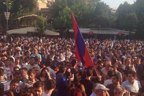 Граждане Армении проголосовали за переход к парламентской форме правления