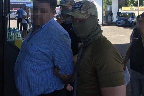 """В Днепре сотрудник """"Укрзализныци"""" задержан при получении 40 тыс. гривен взятки"""
