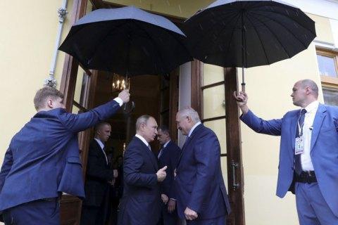 Бліцкригу не буде. Путін готується до тривалої облоги Білорусі