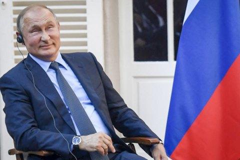 """Путин решил сделать прививку российской """"вакциной"""" Sputnik V"""