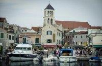 В п'яти містах Хорватії заборонили прогулянки в купальниках