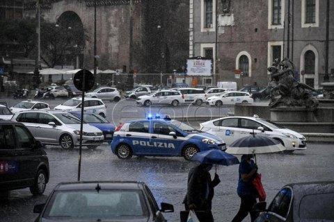 Улицы Рима затопило из-за сильного ливня