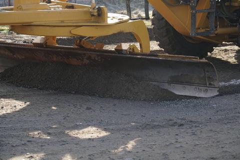 Жителі Одеської області перекриттям дороги домоглися її ремонту