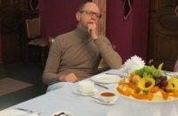 Яценюк: за границей отдыхать дешевле, чем в Крыму