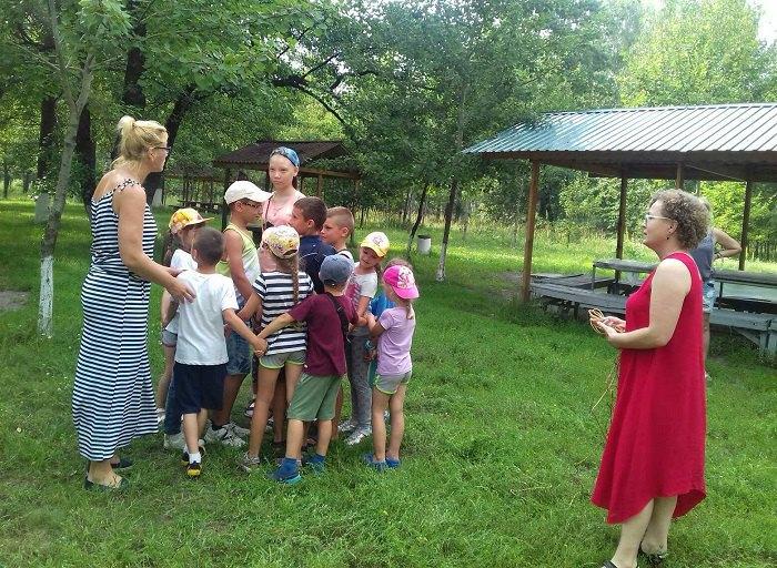 Дети с сахарным диабетом на групповом занятии психотерапией с Анной Перловской и Анной Бречко в г. Миргород. Фото из личного архива