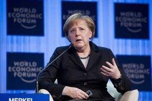 Меркель призвала Януковича к результативным переговорам