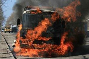 Под Киевом загорелся автобус с пассажирами