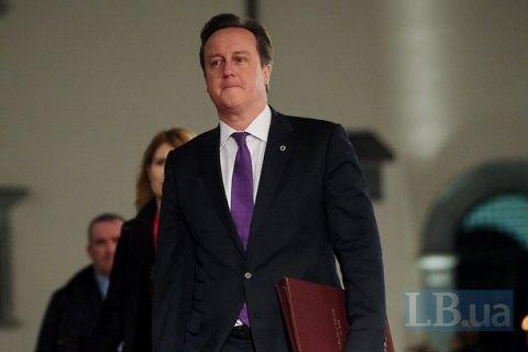 Британський прем'єр заявив, що не має нічого в офшорах і живе на зарплату