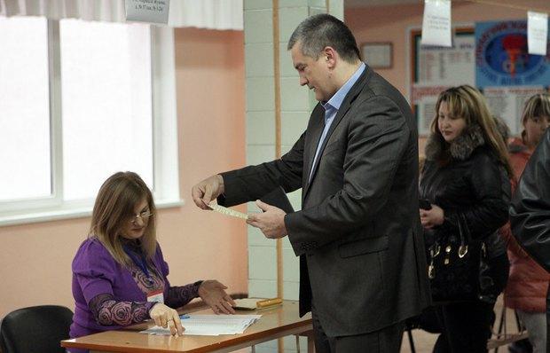 Сергей Аксенов на участке в Симферополе