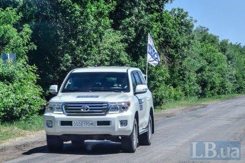 """ОБСЕ заметила фургон с надписью """"Груз-200"""", который ехал в Россию"""