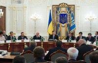 """Янукович попросил правоохранителей передать """"горячий привет"""" руководителям западных областей"""